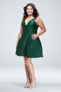 Plus Size Plung V Neck Short A-line 1393BNW Homecoming Dress with Pockets