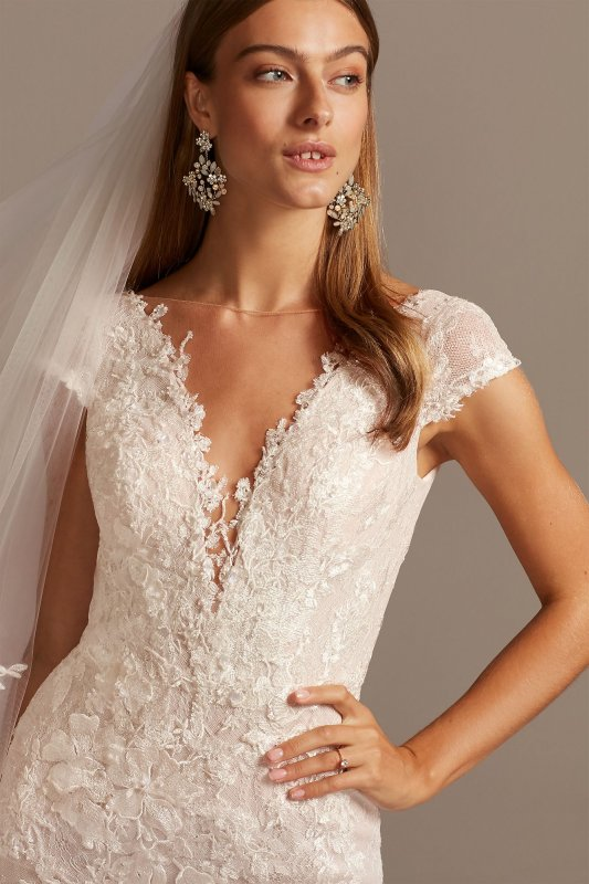 Chantilly Lace Cap Sleeve Mermaid Wedding Dress CWG847