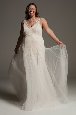 Plunging Tulle Plus Wedding Dress Overdress 8VW351563