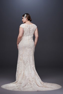 Cap Sleeve Plunging V-Neck Plus Size Wedding Dress 8CWG807