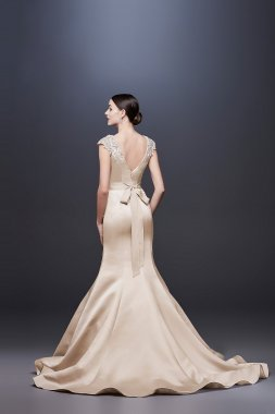 Cap Sleeve Satin Mermaid Wedding Dress with V-Neck ZP341837